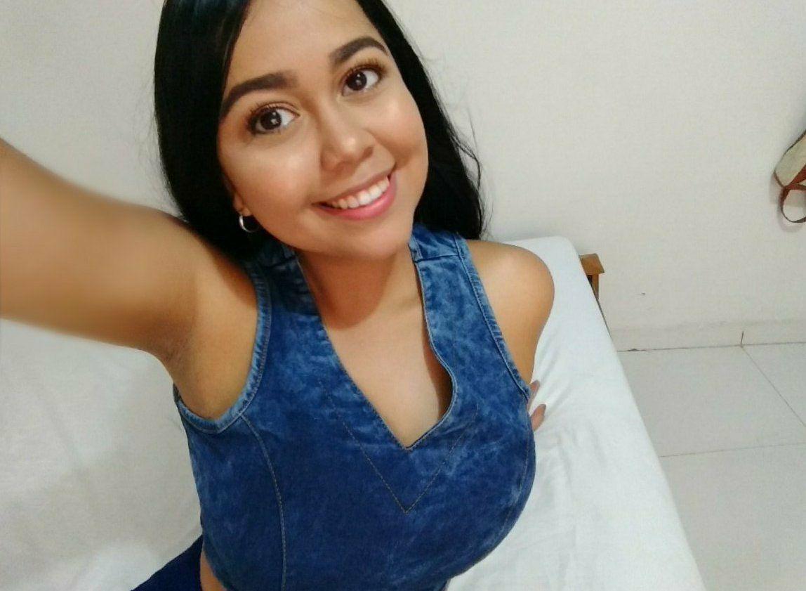 Stefani, Colombiana de ricas tetas y Gustoso Culo. Pack